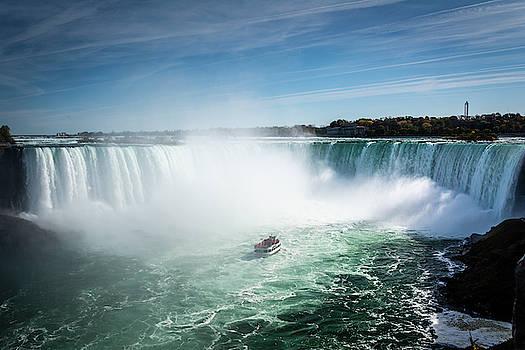 Into the mist of Niagara Falls waterfall by Anna Wisniewska