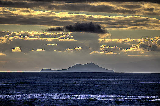 Island Cloud by John Rodrigues