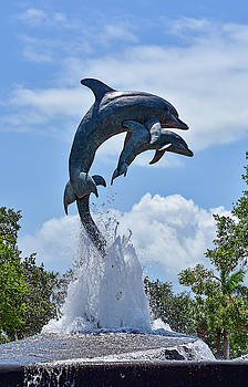 Jensen Beach Dolphin Statue by William Tasker