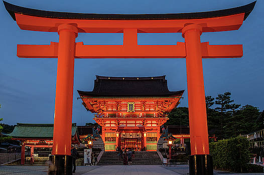 Kyoto Torii Gate by Ian Robert Knight