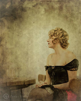 Lady In Waiting by Jeremy Martinson