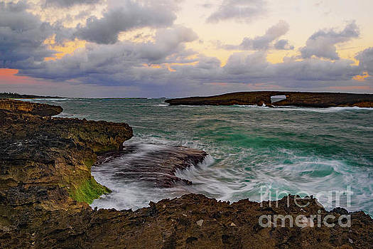 Asia Visions Photography - Laie Point