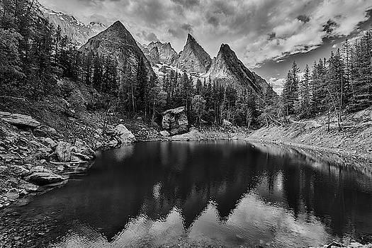 Jon Glaser - Lake in the Alps