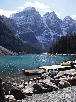 Campwillowlake - Lake Louise canoes - Alberta Banff Canada