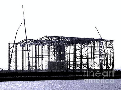Large Steel Structure Construction by Yali Shi