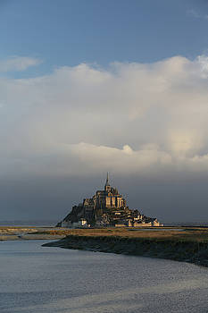 Le Mont Saint Michele by Fred Hood
