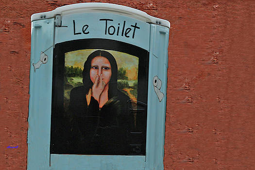 Le Toilet  by Dennis Baswell