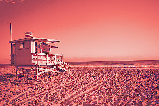 Lifeguard cabin on Santa Monica beach living coral toned by Natalia Macheda