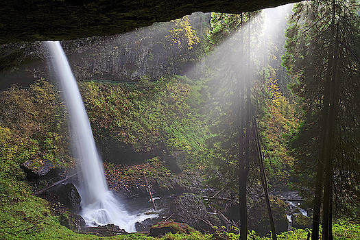 Light on the falls by Ulrich Burkhalter