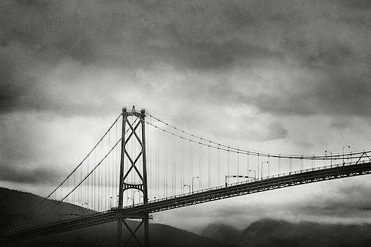 Lions Gate Bridge and Misty Mountains, Vancouver, BC by Illumina Photographics