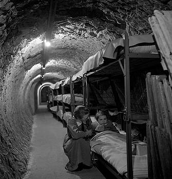 Daniel Hagerman - LONDON SUBWAY BOMB SHELTER 1945