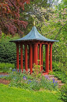 Long Hill Sedgwick Gardens by Liz Mackney
