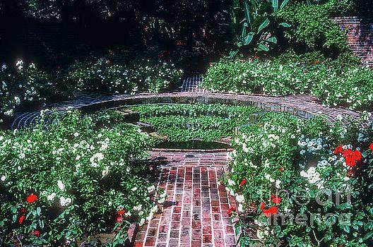 Bob Phillips - Longue Vue Gardens