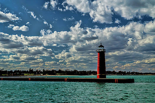 Looking back at the red lighthouse in Kenosha by Sven Brogren