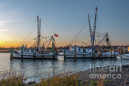 Lowcountry Shrimping Life by Dale Powell