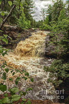 Lower Amnicon Falls by Nikki Vig