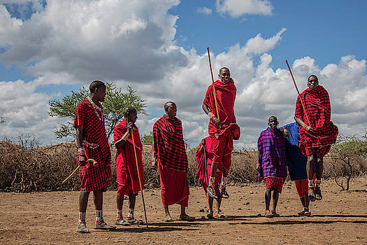 Maasai Adumu by Thomas Kallmeyer