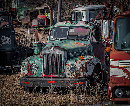 Mack Tow Truck by Ray Congrove