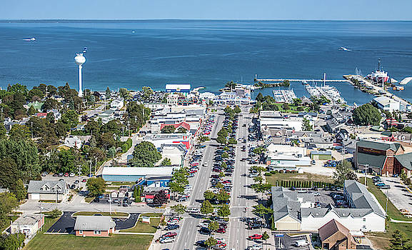 Mackinac City by Laurent Fady