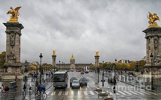 Wayne Moran - Magnificence of Paris Even in the Rain