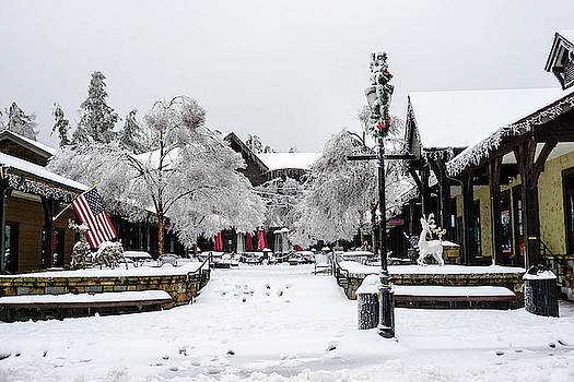 Mainstreet Highlands NC in the snow by Seth Solesbee