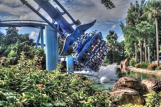 Manta Splash Zone by Randy Dyer