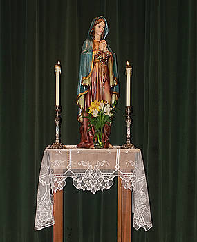 Marian Altar by Warren Gale