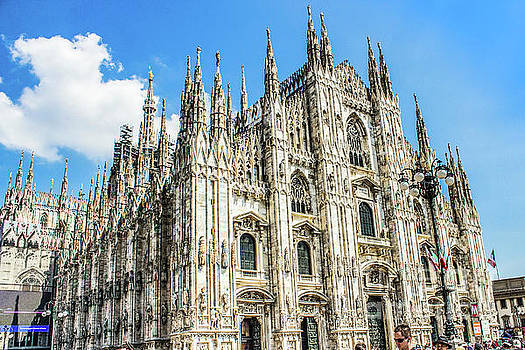 Lisa Lemmons-Powers - Milan cathedral