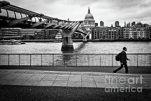 millennium Bridge 02 by Arnaldo Tarsetti
