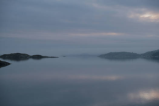 Misty day by Magnus Haellquist