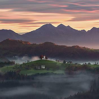 Misty sunrise above St. Thomas church by Marek Ondracek