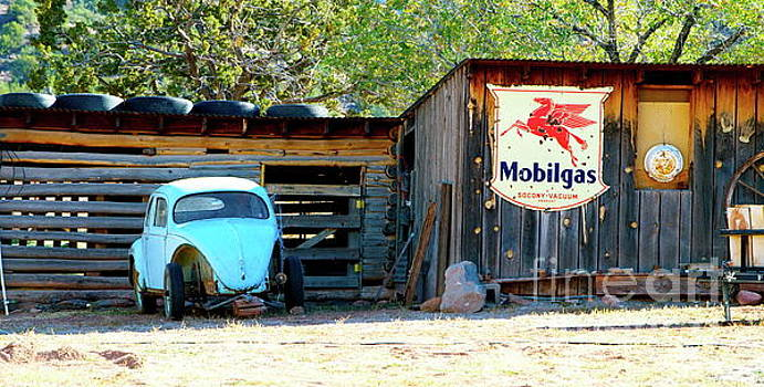 Mobile Gas by Wendy Girard