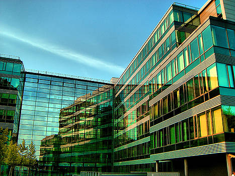 Jonny Jelinek - Modern Architecture In Vienna