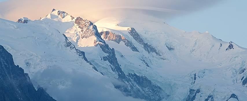 Mont Blanc sunrise by Stephen Taylor