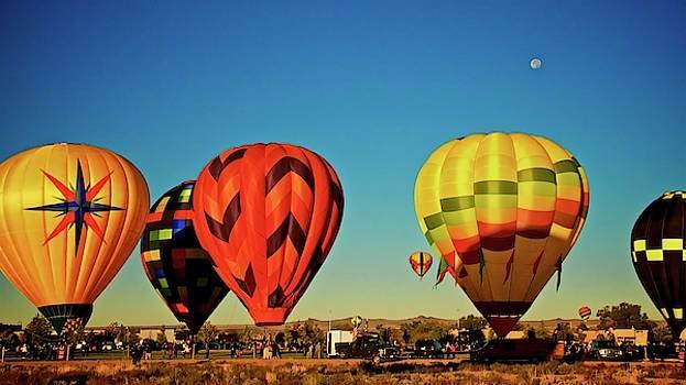 Moon Landing, 2017 Albuquerque International Balloon Festival  by Flying Z Photography by Zayne Diamond