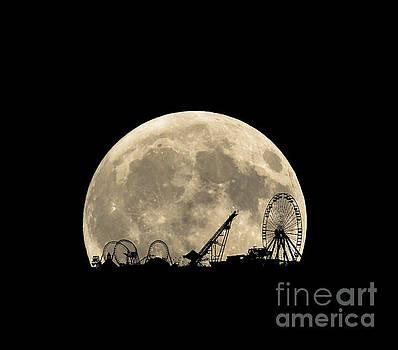 Moon Over Mariner's by Diane LaPreta