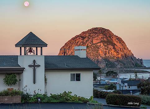 MIKE LONG - Moonset Above Morro Rock