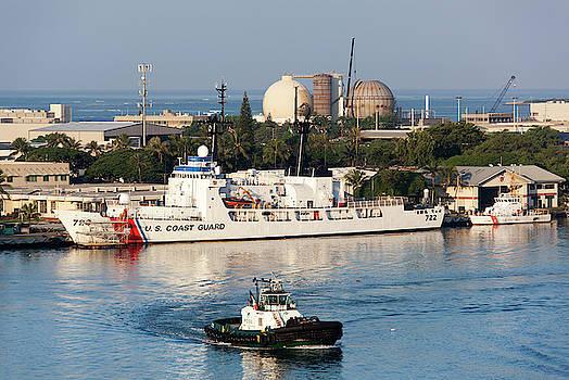 Morning In Honolulu Port by Ramunas Bruzas