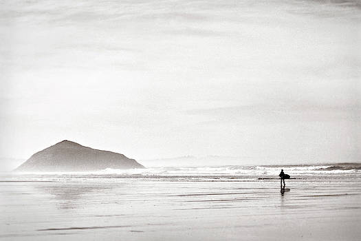 Morning Surf, Tofino, British Columbia, Canada by Illumina Photographics
