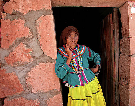 Mujer Coras by Bruce Herman
