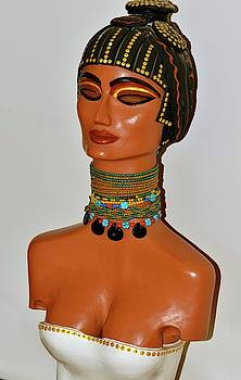 Nefertari I by Ica Pavon
