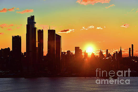 Regina Geoghan - New York City Thanksgiving Sunrise