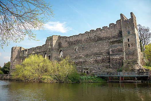 Newark Castle by Svetlana Sewell