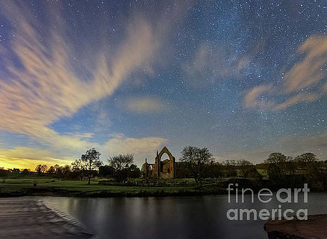 Night Sky in Bolton Abbey by Mariusz Talarek