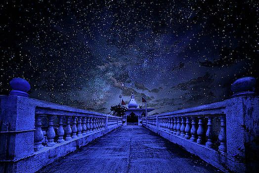 Night sky over the temple by Trinidad Dreamscape