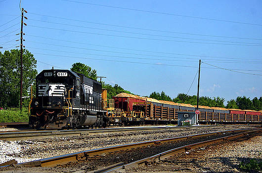 Norfolk Southern 6617 by Joseph C Hinson Photography