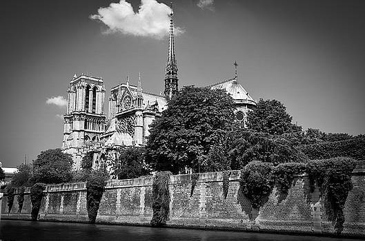 RicardMN Photography - Notre Dame de Paris before the fire of 2019 BW