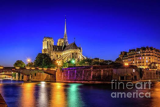 Notre Dame, Paris by Johan Vanbockryck