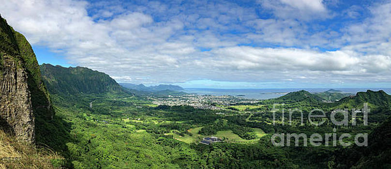 Asia Visions Photography - Nuuano Pali Lookout
