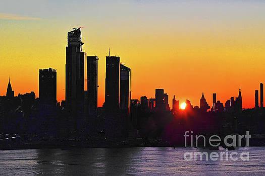 Regina Geoghan - NYC Silhouette at Sunrise